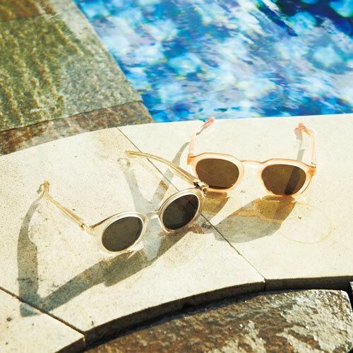 夏気分を呼び込む 色とりどりのファッションアイテム